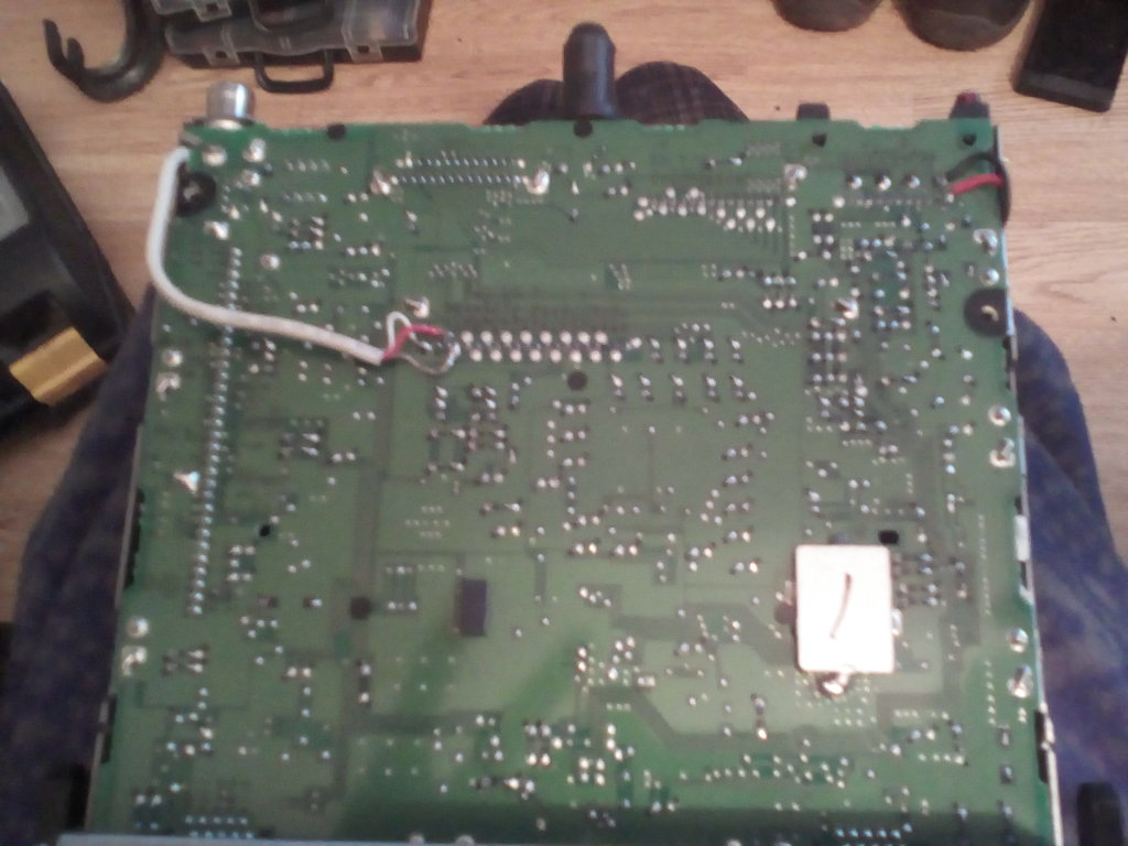 THE RED & BLACK 12V IN GETS SOLDERED HERE